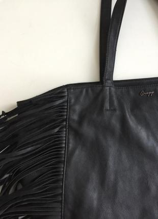 Чёрная сумка с бахромой2