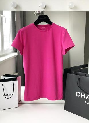 Стильная футболочка красивого малинового цвета оригинал1