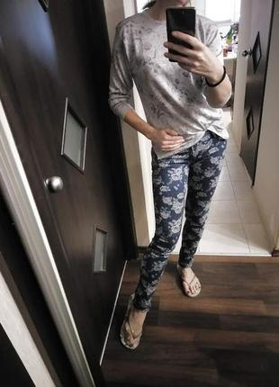 Синие джинсы скинни с принтом1