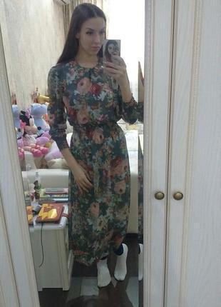 Утонченное двойное фирменное миди платье в цветной рисунок2