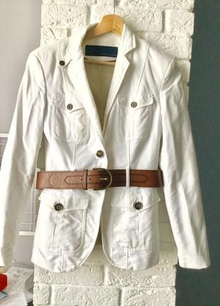 Белый пиджак zara с кожаным поясом1
