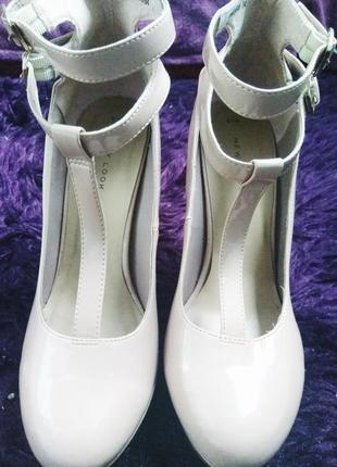 Бежевые туфли new look1