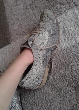 Кожаные туфли размер 382