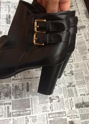 Шикарные ботинки 38 р esmara3