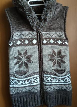 Теплая жилетка с капюшоном , скандинавский стиль, шерсть, турция