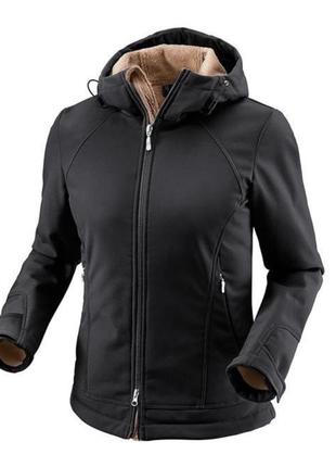 Женская куртка soft shell1