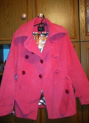Пальто розовое нежное1
