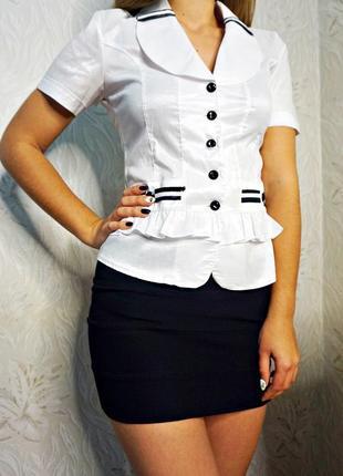 Белая блузка с коротким рукавом1