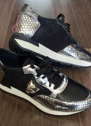 Новые стильные кроссовки3