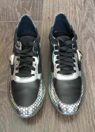 Новые стильные кроссовки4
