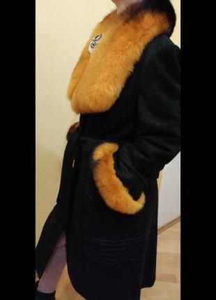 Зимнее драповое пальто с песцовым воротником и манжетами2