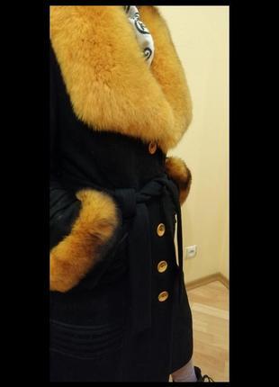 Зимнее драповое пальто с песцовым воротником и манжетами3