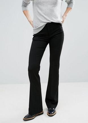 Черные брюки из плотной стрейчевой ткани gestuz4