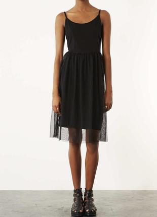 Чёрное платье с евросеткой фатиновой юбкой topshop размер 36 (s)1