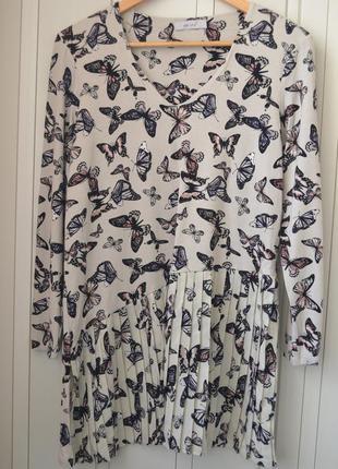 Стильная кофта с бабочками и плисировкой1