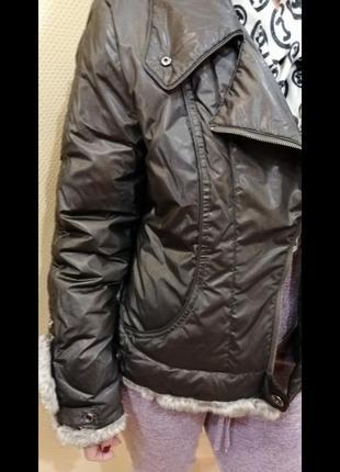 Тёплая куртка с меховые воротником5