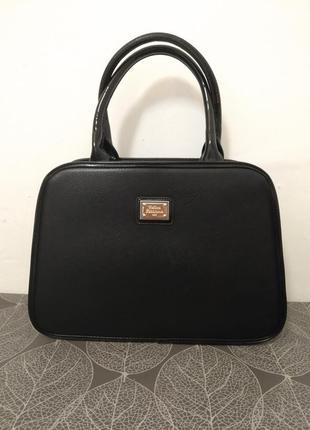 Черная лаковая сумка1