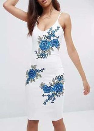 Платье миди с вышивкой club l