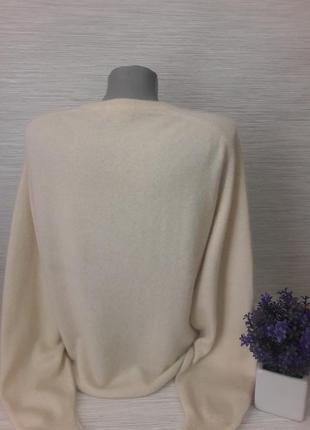 Нежный женский свитер maclees3