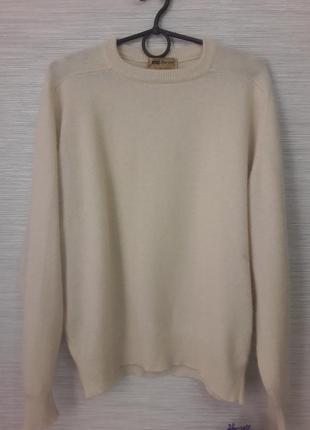 Нежный женский свитер maclees1