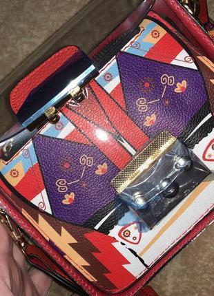 Фирменная сумочка мини с цветным съемным ремнём1