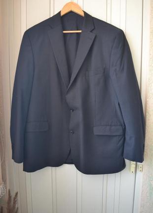 Стильный пиджак для солидного мужчины