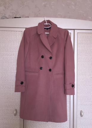 Пальто ніжного кольору1
