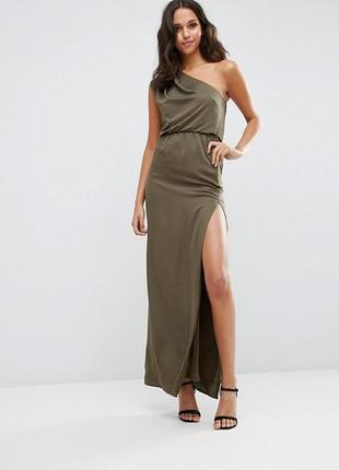 Вечернее платье с вырезом asos1