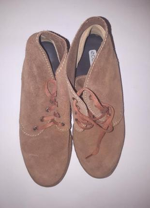 Ботинки замшевые ecco biom2