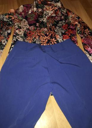 Стильные брюки со стрелками и подворотом в низу4