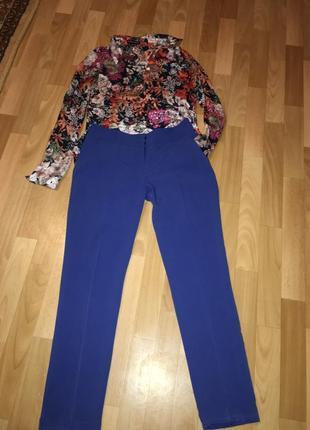 Стильные брюки со стрелками и подворотом в низу1
