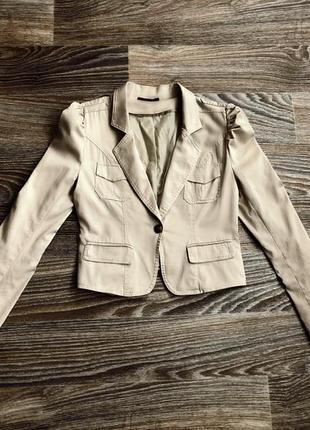 Серо-бежевый хлопковый классический пиджак блейзер с кружевными отворотами royal chicks1