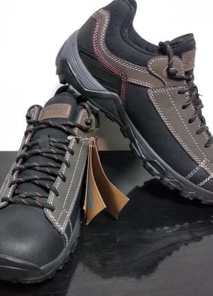 Треккинговые кроссовки с мембраной
