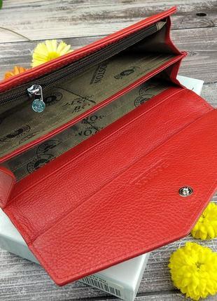 Женский кожаный кошелек в красном цвете3