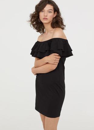 Платье с открытыми плечами и воланами от h&m s/m1