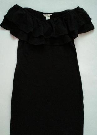 Платье с открытыми плечами и воланами от h&m s/m4
