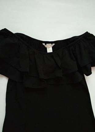 Платье с открытыми плечами и воланами от h&m s/m5