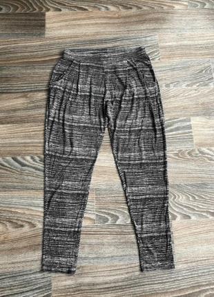 Черно-серые полосатые трикотажные повседневные штаны от f&f casual collection1