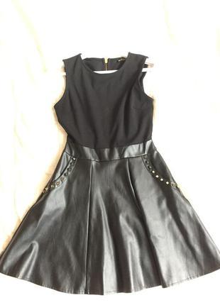 Платье чёрное с кожаной юбкой