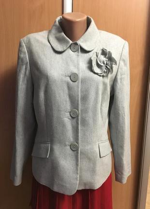 Пиджак жакет с брошью и золотой нитью размер 161