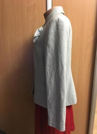 Пиджак жакет с брошью и золотой нитью размер 163