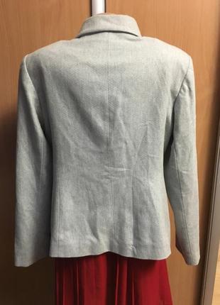 Пиджак жакет с брошью и золотой нитью размер 164