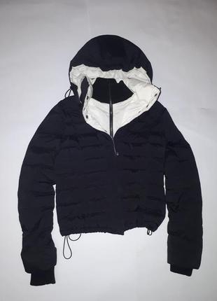 Черно-белая куртка