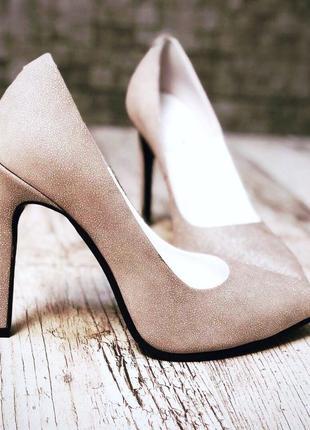 •шикарные туфли-лодочки