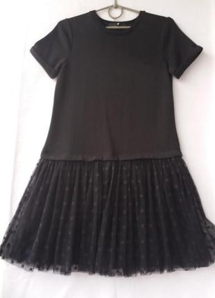 Черное трикотажное платье с фатиновым низом