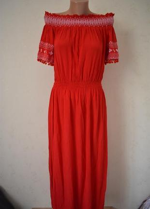 Новое красивое платье с вышивкой1