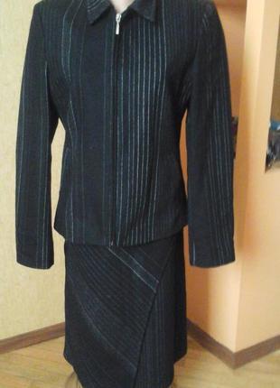Шерстяной костюм фирмы m&s mode