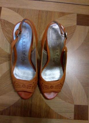 Туфельки на каблуке 10 см