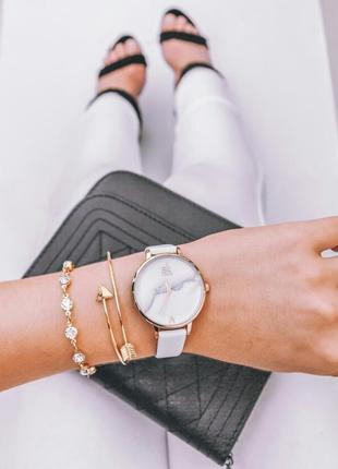 Часы мрамор с браслетом