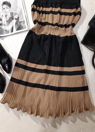 Очень красивое платье. размер м2